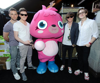 McFly spend the day writing songs with One Direction