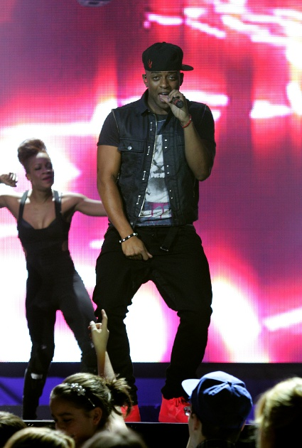 JLS Oritse dating Nicki Minaj?