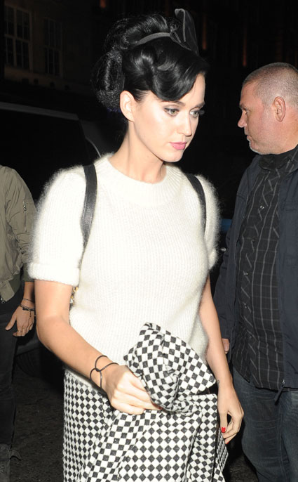 Katy Perry heads on a night out in London to Nobu. Katy Perry images - sugarscape.com