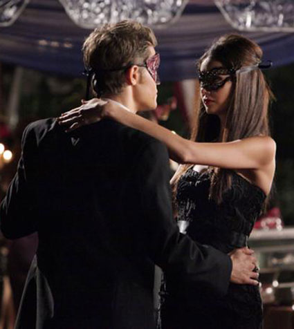 Katherine Pierce or Elena costume - vampire diaries