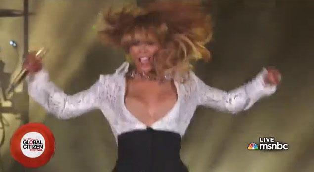Beyonce Knowles Boob 78