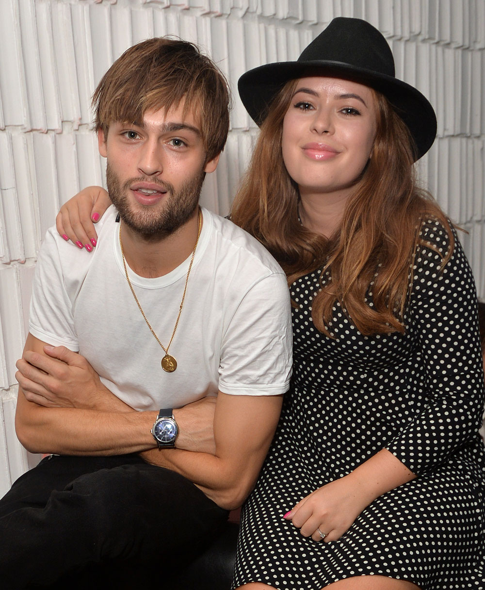 Tanya Burr hangs out with a very tired looking Douglas ...