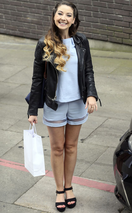 Zoella Looks Very Lovely As She Appears On Loose Women To Try And Explain The World Of Youtube