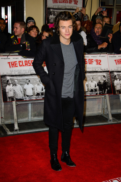 One Direction hit the Class of '92 world premiere red carpet in London - Harry Styles images - sugarscape.com