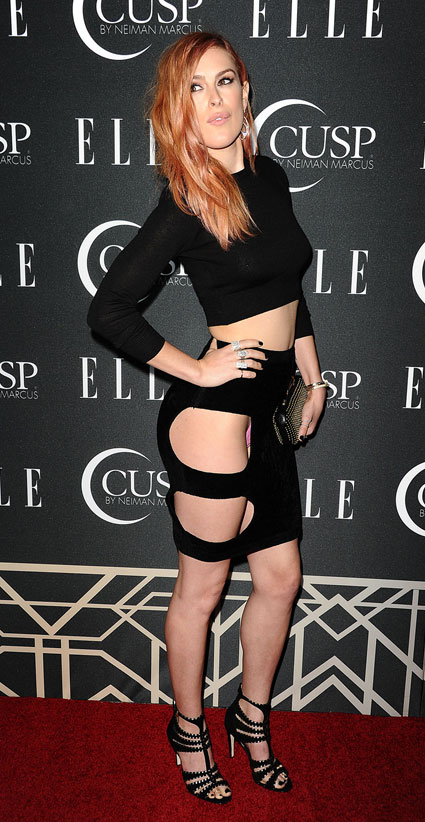 Rumer Willis in worst skirt of al time at Elle Contemporar Women in music party - Images - Sugarscape.com