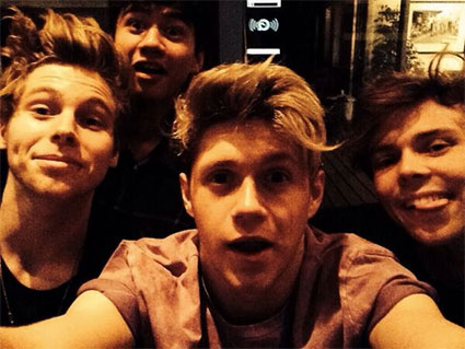 5 Seconds of Summer reveal what Niall Horan smells like ...