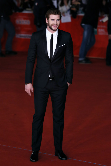 Liam Hemsworth and Josh Hutcherson look well fit at the Hunger Games Catching Fire premiere in Rome - Liam Hemsworth images - sugarscape.com