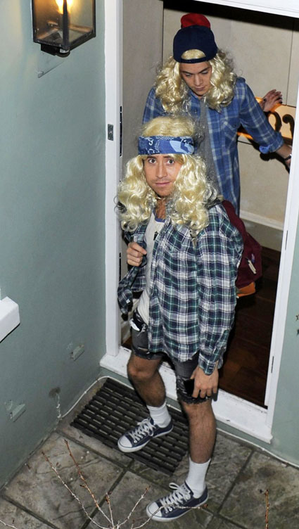 Harry Styles and Nick Grimshaw dress up in blonde wigs for party with Alexa Chung - Images - Sugarscape.com