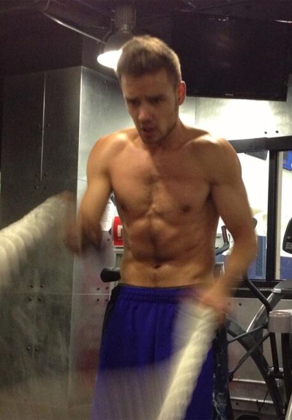 Liam Payne hits the gym completely fully clothed, so letu0026#39;s ...