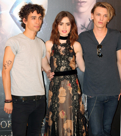 Robert Sheehan Lily Collins Jamie Campbell Bower