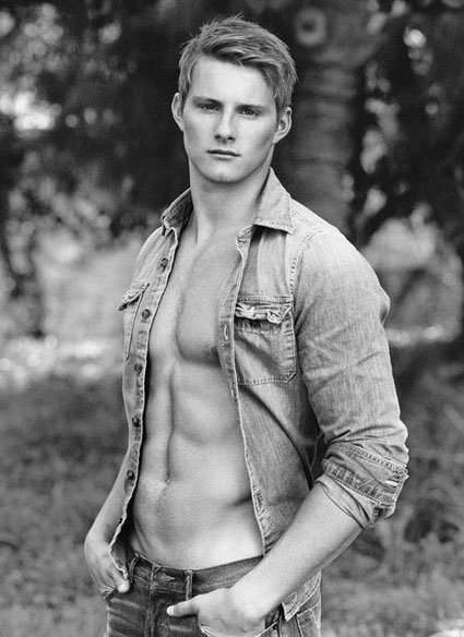 Alexander Ludwig shirtless with a dog for Abercrombie and Fitch campaign - PICS