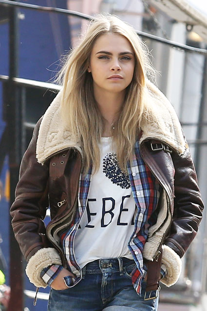 Cara Delevingne 'investigated by H&M' after dropping bag of white ...