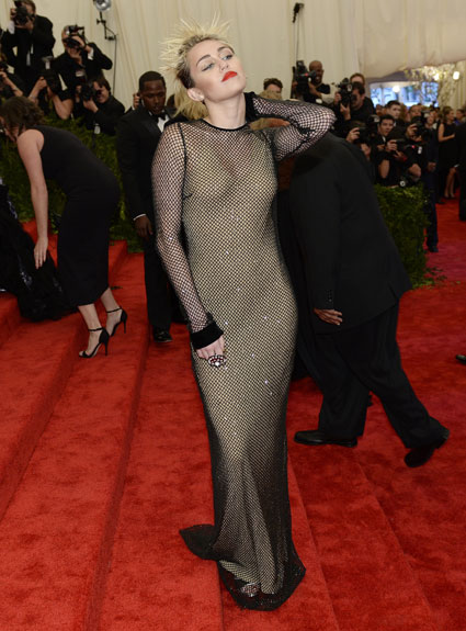 miley cyrus met ball 2013 dress
