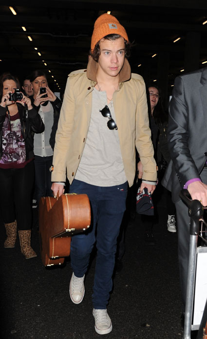 Harry Styles naranja gorro