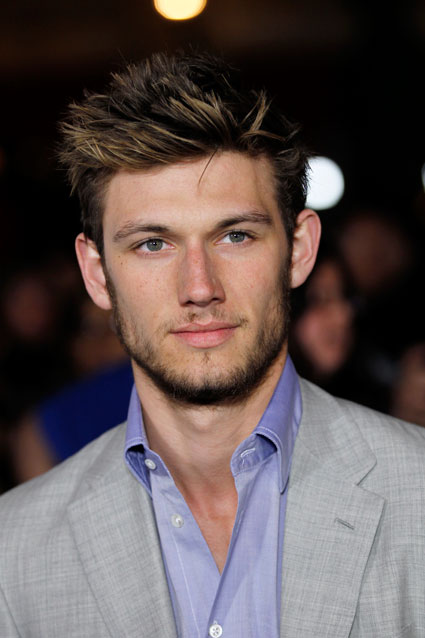alex pettyfer to play four in divergent