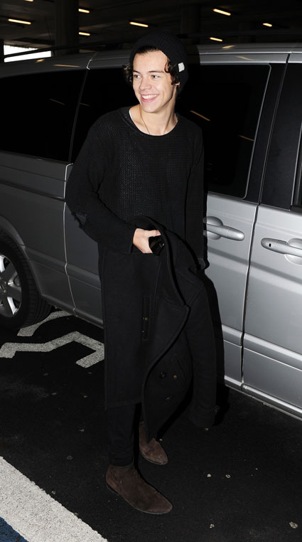 harry styles heathrow airport from glasgow january 2013