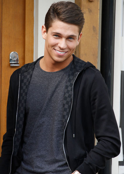 Joey Essex disses The Wanted: 'I prefer One Direction'