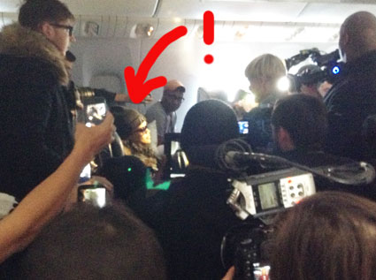 rihanna scrum on the plane