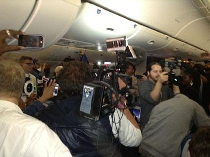 rihanna 777 tour plane