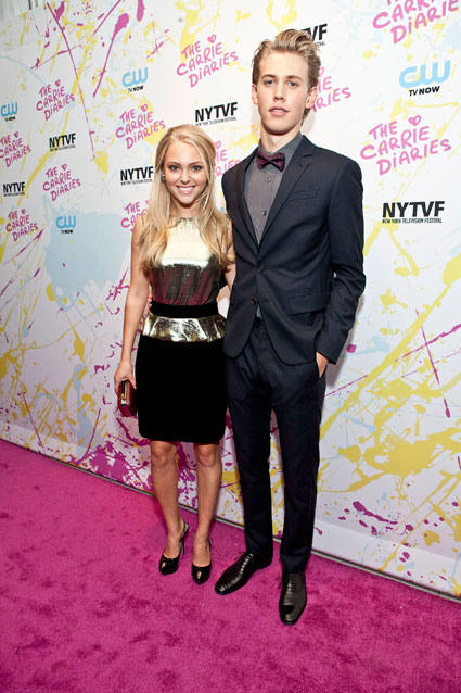 annasophia robb and austin butler the carrie diaried red carpet