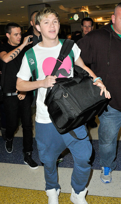 niall horan one direction jfk airport