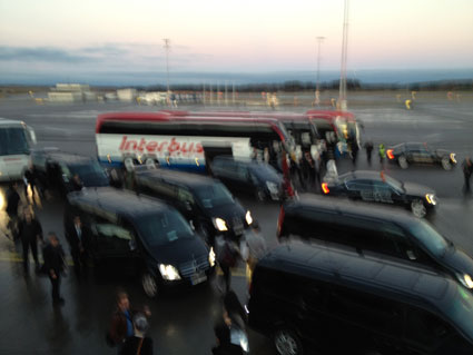 rihanna's plane entrouage 777 tour