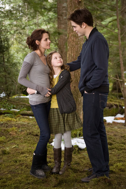 twilight breaking dawn part two bella cullen edward and renesmee