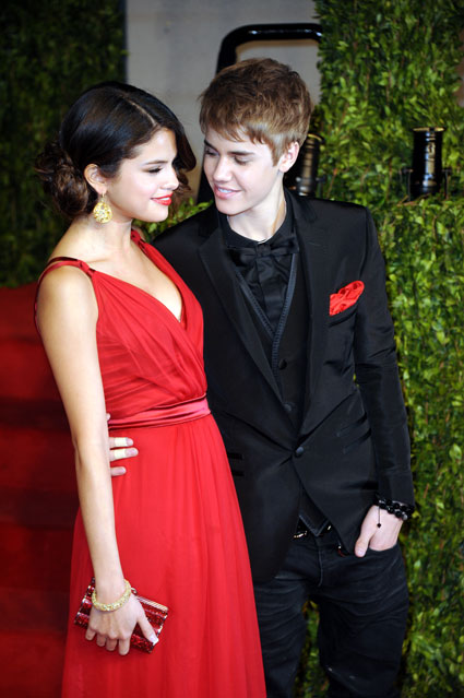 selena gomez taylor swift and justin bieber. Justin Bieber whisks Selena