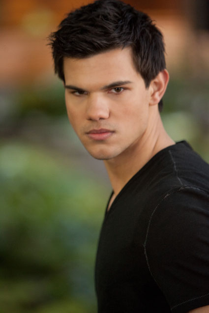 taylor lautner in breaking dawn part 2