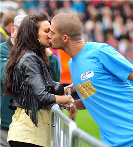 max george kissing girlfriend michelle keegan
