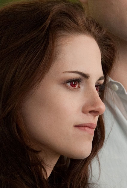 kristen stewart as bella cullen vampire in breaking dawn two