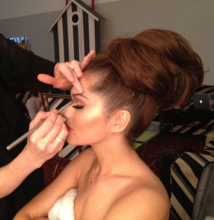 Cheryl Cole tweets pictures from her 2013 calendar