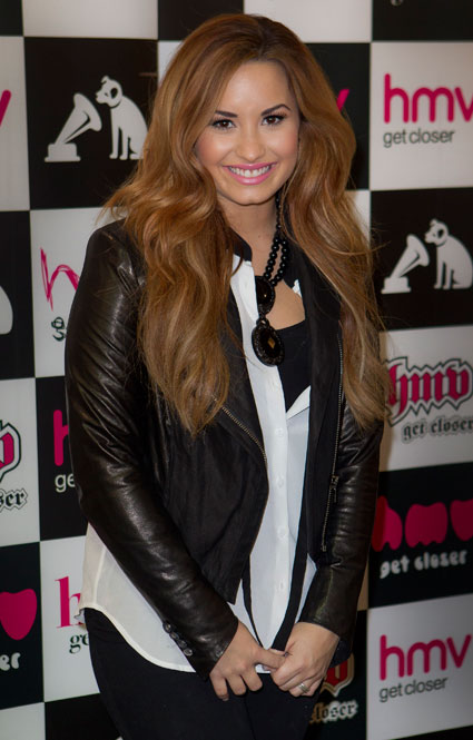 Demi Lovato at HMV signing