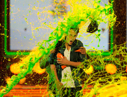 Justin Bieber gets slimed at the Kids Choice Awards!