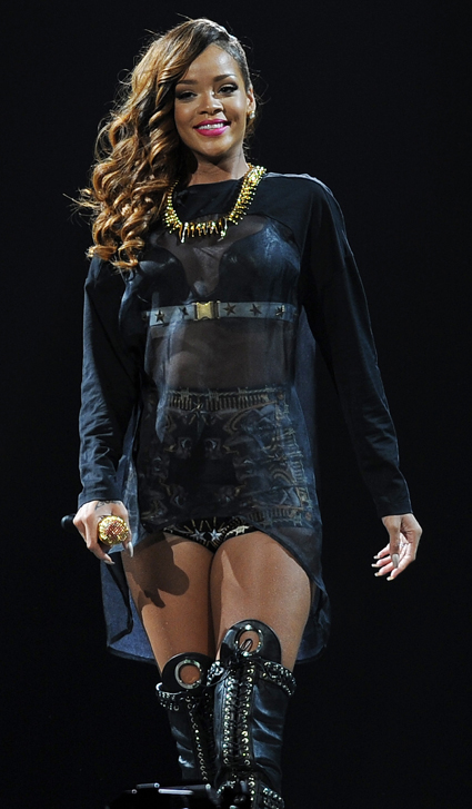 Rihanna to be honoured with the Icon Award at this year's American Music Awards - Rihanna images - sugarscape.com