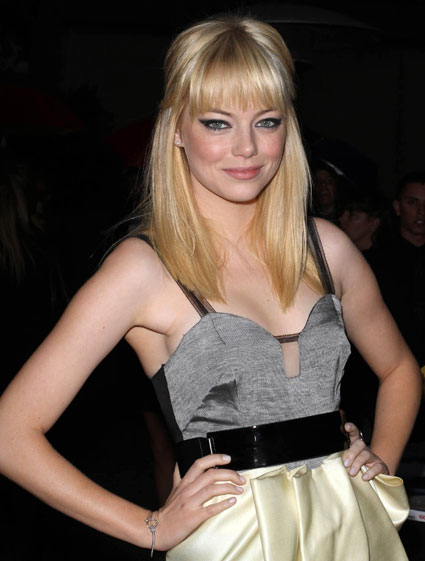 emma stone hair blonde. Emma Stone has ditched her