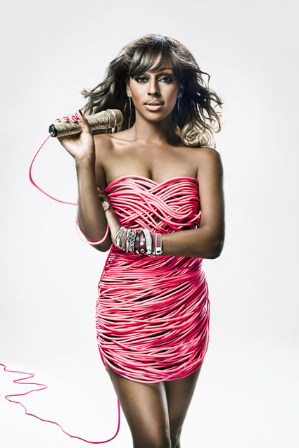 Alexandra Burke poses in a dress of cables of Tickled Pink