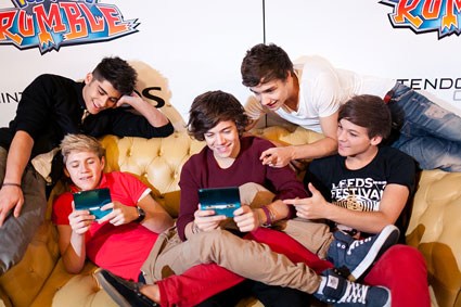 One Direction playing Super Pokmon Rumble on Nintendo 3DS
