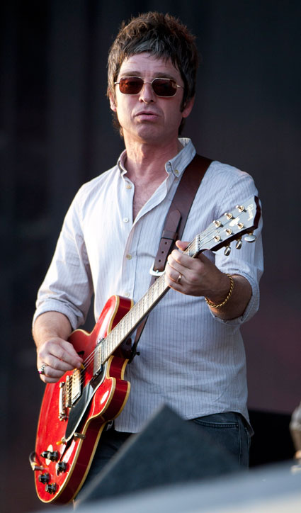 Noel Gallagher and Cliff Richard find One Direction 'boring'?