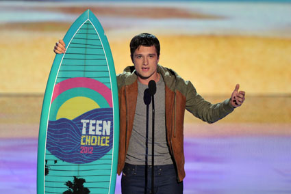 Josh Hutcherson to play surfer in new Pablo Scobar movie Paradise Lost