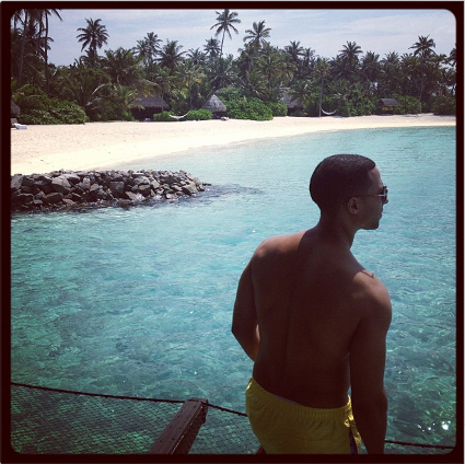 Rochelle Wiseman and Marvin Humes show off baby bump on Maldives honeymoon - PICS