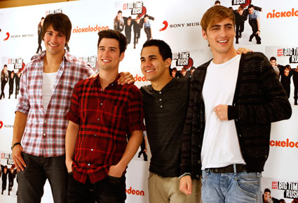 Big Time Rush vs. One Direction - Dance off