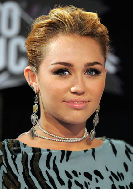 Miley Cyrus talks about her Gay-Rights tattoo
