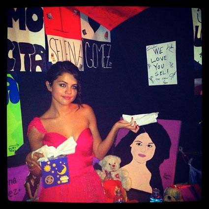 Selena Gomez's second instagram photo