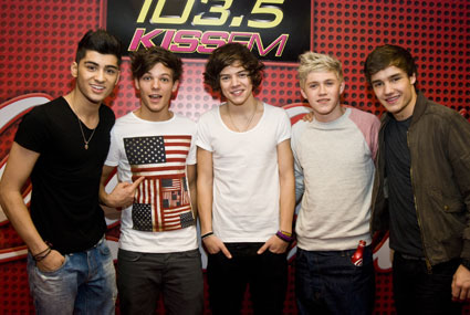 one direction in chicago at kiss fm