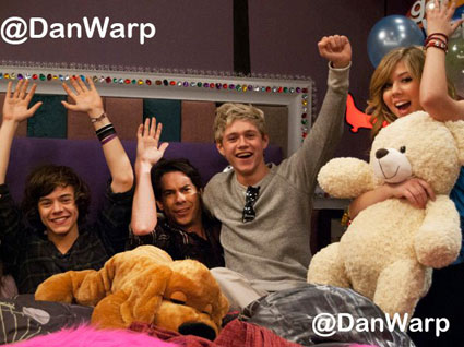 One Direction on the set of iCarly