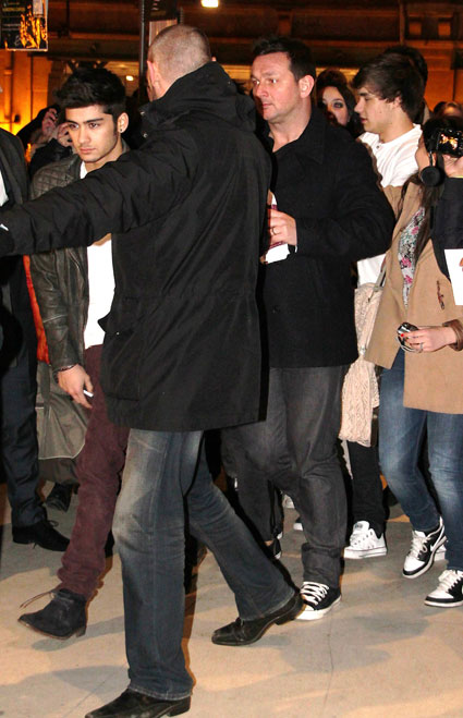 liam payne and zayn malik leaving paris with one direction