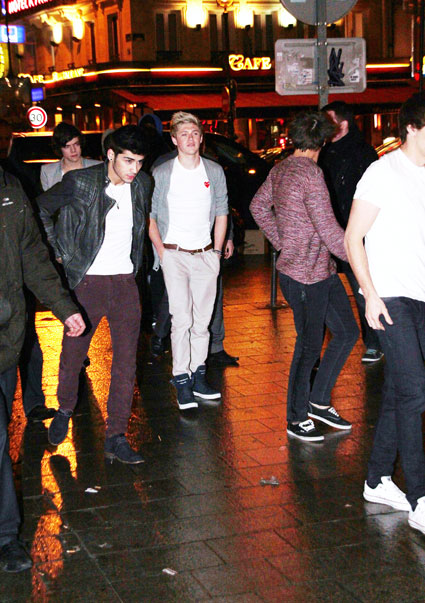 one direction leaving paris on the eurostar