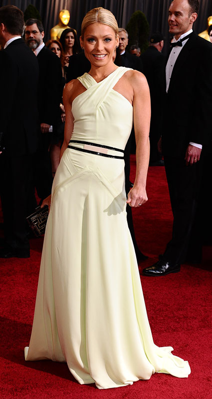 kelly ripa at 2012 oscars
