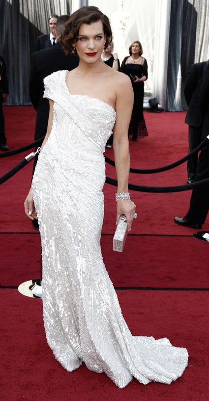 Milla Jovovich at 2012 oscars